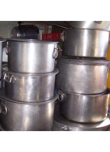 Large Flat Cooking Pots 60 qt.